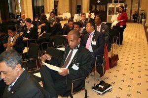 Mamy, lors de la table ronde sur le developpement durable, entre les Malagasy et les experts allemands
