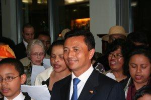 Le PRM entouré de quelques membres de la diaspora Malagasy en Allemagne
